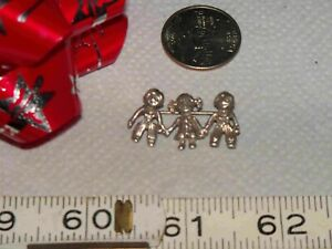 Sterling Silver Smiling Happy Three Kids Child Children Pin  Brooch Marked 925