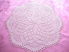 Handarbeit ! rundes Deckchen gestrickt 45 cm Fb.beige Mitteldecke