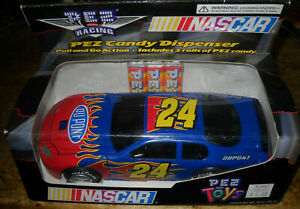 JEFF GORDON 1:24 SCALE RACE CAR CANDY DISPENSER WITH CANDY DUPONT NIB NASCAR