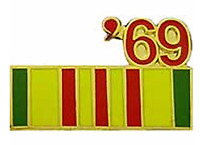 1969 VIETNAM SERVICE RIBBON LAPEL/HAT PIN PLUS BONUS WOODSTOCK BUMPER STICKER
