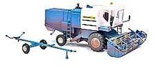 Busch Modelle von Landwirtschaftsfahrzeugen aus Kunststoff