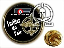 "..: Pin's :.. FUSCO "" fusiliers de l'air "" CPA BA cocoy FAMAS maitre chien AVIAT"