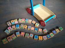 chariot de marche en bois avec cubes en bois lettres et chiffres
