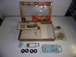 AMT AC COBRA 1/25 CIRCUIT ELECTRIQUE USA SLOT RACING kit complet d'époque