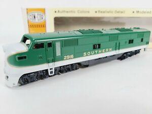 Concor 15-002141 Southern  EMD E-7A Train Engine Cab #2916 HO Vintage NEW