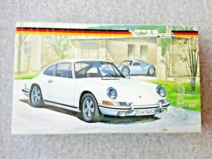 FUJIMI  PORSCHE 911 S  COUPE 1969 1/24 MODEL KIT