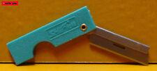 THE BLADE - Rasieklinge mit Halter - TÜRKIS - razor blade holder - NEU - TOP -