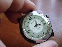 Vintage VOSTOK Soviet Russian Mechanical Men's Watch VOSTOK