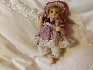 "7"" Porcelain Doll"
