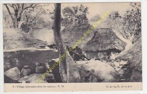 CPA AFRIQUE DAHOMEY village Dahoméen dans les rochers Edit F.N.