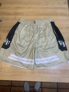 Mens Ncaa Wake Forest Basketball Shorts Sz L  NWOT