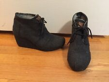 EUC TOMS Womens Size 6.5 Desert Wedge Wool Grey Gray Shoes Ankle Boots