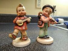 Two Napco figurines The Fiddler & The Strummer (made in Japan)