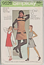 9526 SIMPLICITY c.1971 - MINI-JUMPER DRESS w 3 Necklines - Jr Sz 11/12 B 32""