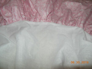 Laura Ashley Imogen Bedskirt DAYBED Vintage Rare Pink with White Lace material !