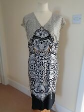 DAMSEL IN A DRESS BLACK/BEIGE/WHITE PAISLEY PRINT CAP SLEEVE DRESS