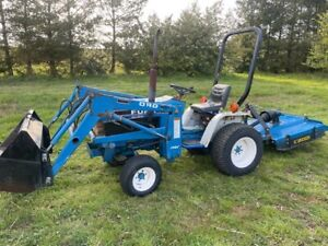 FORD NEW HOLLAND COMPACT TRACTOR WITH LOADER AND TOPPER, HYDROSTATIC