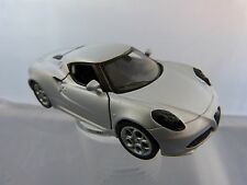 Welly Alfa Romeo 4C in Silber ca 11 cm lang