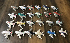 Lot of 24 Pull Back Action Daron Toy Tech Airplanes with Lights & Sound