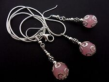 A PRETTY PINK JADE NECKLACE AND  EARRING SET. NEW.