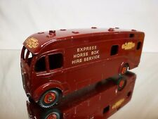 DINKY TOYS 981 HORSE BOX - RED MAROON 1:43? - GOOD CONDITION