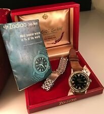 VINTAGE ZODIAC SEA WOLF AUTOMATIC DIVER WITH BOX PAPERS AND STEEL BRACELET