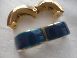 Gold-plated iridescent teal blue enamel hinged huggie 2 cm 6 gram clip earrings