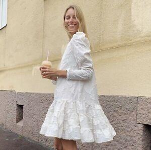 H&M Sold Out Jaquard Weave Cream Dress Bloggers Favorite Ruffles Measurements ⇩