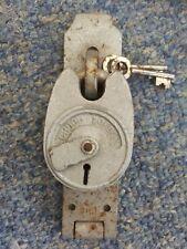 CHUBB  SECURITY PADLOCK/HASP WITH 2 KEYS