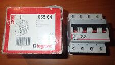 Legrand 06564 - Disjoncteur Triphasé 20A - Triphasé 4P - Courbe C