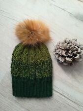 cappello invernale fatto a mano ai ferri in lana idea regalo natale 6808514e75bf