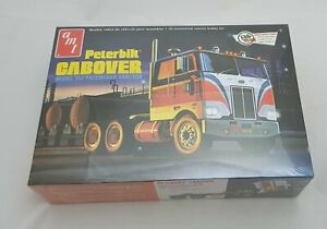 Peterbilt Cabover 352 Pacemaker Tractor