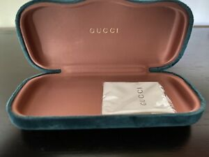 NEW GUCCI Hardcover Glasses Case Green Velvet with Cleaning Cloth