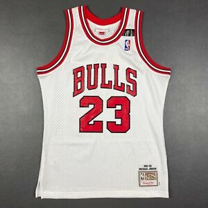 100% Authentic Michael Jordan Mitchell & Ness 91 92 Bulls Jersey Size 40 M Mens