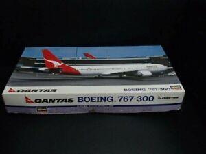 Hasegawa 1/200 Qantas Boeing 767-300 Model Kit