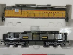 Life Like Proto 2000 SD-7, Union Pacific 450. Item 30151. New in the box