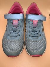 New Balance Girls Sneakers Gray & Pink GUC Sz 1.5 Med Preowned
