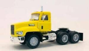 MACK Truck 603 short chassis Day cab Dual Axle Yellow 1/87 HO Scale HERPA 15264Y