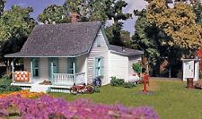 HO Woodland Scenics Co Country Cottage  KIT 5186