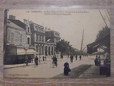 CPA - St-Nazaire - La rue de l'Amiral-Courbet à l'intersection de la rue Thiers