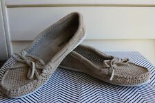 Minnetonka 616 P 7 M Kitty Moccasins Beige Suede Women's Shoes Perforated