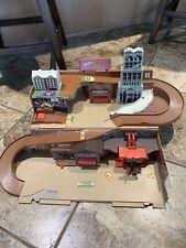 Vintage 1979 Hotwheels Mattel City Sto And Go Service Center Folding Playset Toy