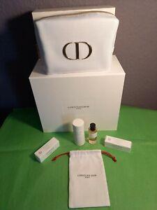Dior La Collection Privée Parfum-Miniatur Santal Noir&Kosmetiktasche&Parfumprobe