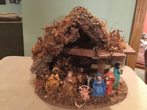 VINTAGE CHRISTMAS DECOR / NATIVITY SET / CRECHE/ MADE IN ITALY