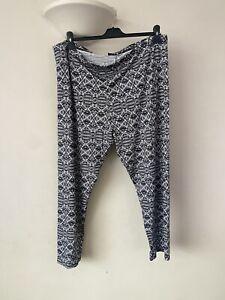 Just Me womens stretch leggings Black/White pattern plus size 30