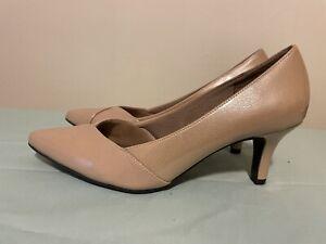 "Life Stride Super Women's Beige Pointed Closed Toe Slip-On 3"" Heels Sz 9.5M"