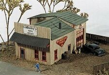 JL Innovative (N-Scale) #140 LABOSKY's AUTO REPAIR - Laser Cut Wooden Kit