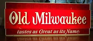 """Vintage Old Milwaukee Beer Light """"Taste as Great As its Name"""" Lighted Beer Sign"""
