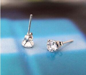 Ohrstecker Ohrring versilbert mit Kristall Zirkonia weiß Blüte