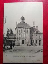 Magnifique CPA animée - Gournay en Bray - L'hôtel de ville